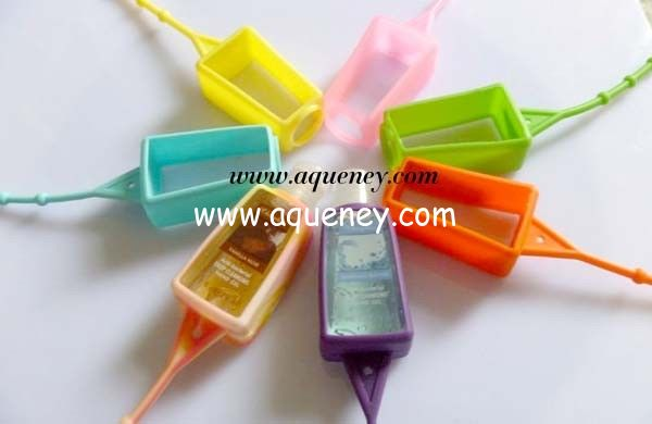 Promotional items OEM Antibacterial Hand Sanitizer 3d silicone hand sanitizer holder