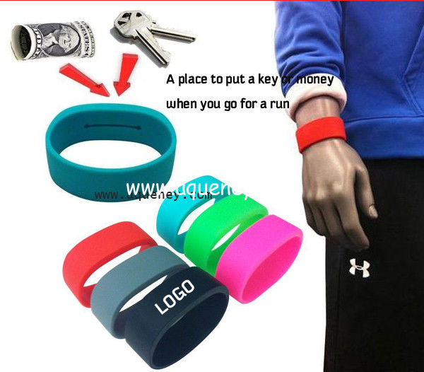2020 new Pocket Wrist band silicone bracelet with pocket for Sport