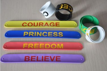 China Color ful silicone paipai bangle bracelet silicone slap bracelet with factory price factory
