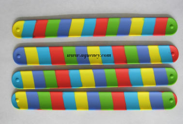 China Hot selling silicone slap bracelet,wrist slapper,slap on band,various color silicone snap bracelet factory