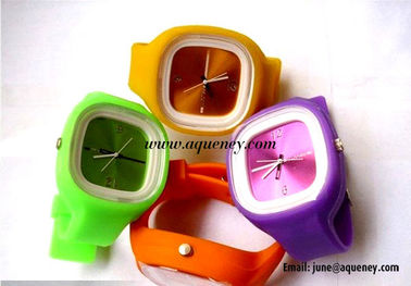 2014 Popular fashion design silicone jelly watch from China factory